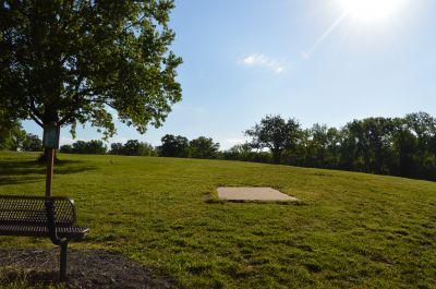 Wyandotte County Park, Main course, Hole 6 Tee pad
