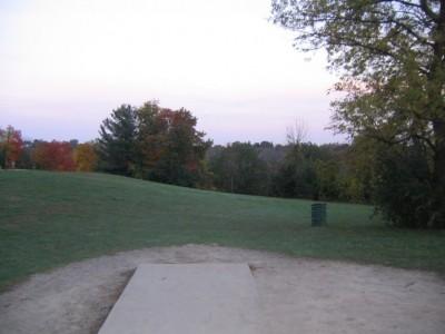 Cass Benton Hills, Main course, Hole 2 Short tee pad