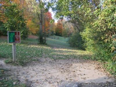 Cass Benton Hills, Main course, Hole 5 Long tee pad