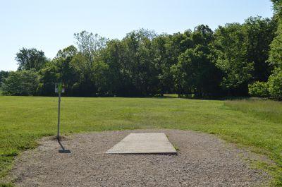 Shawnee Mission Park, Main course, Hole 1 Tee pad
