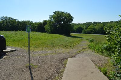 Shawnee Mission Park, Main course, Hole 18 Tee pad