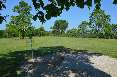 Shawnee Mission Park, Main course, Hole 11 Tee pad