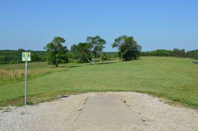 Shawnee Mission Park, Main course, Hole 8 Tee pad