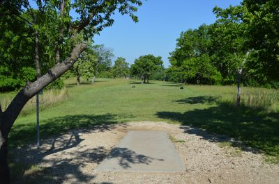 Shawnee Mission Park, Main course, Hole 10 Tee pad