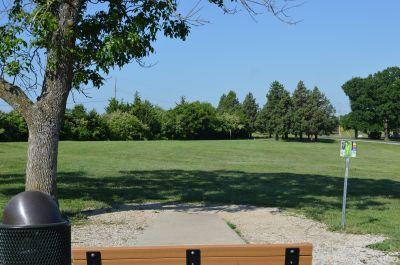 Shawnee Mission Park, Main course, Hole 7 Tee pad