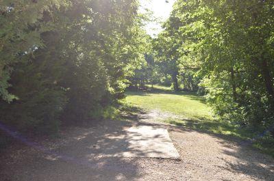 Shawnee Mission Park, Main course, Hole 2 Tee pad