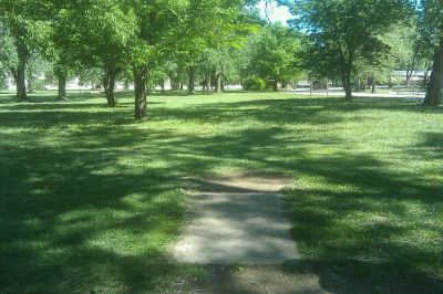 Tuttle Creek State Park - River Pond, Main course, Hole 1 Tee pad