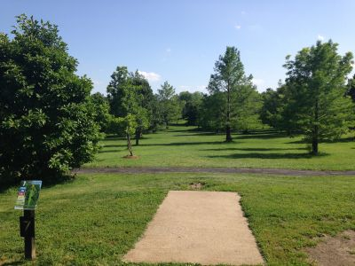Prairie Center Park, Main course, Hole 7 Tee pad