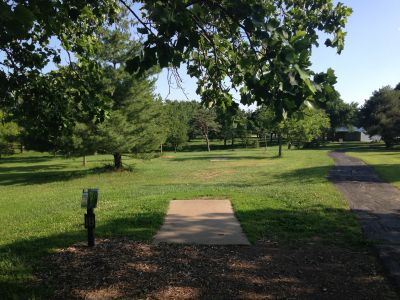 Prairie Center Park, Main course, Hole 18 Tee pad