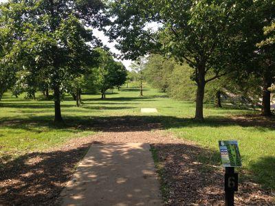 Prairie Center Park, Main course, Hole 6 Tee pad