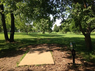 Prairie Center Park, Main course, Hole 8 Tee pad