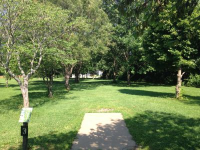 Prairie Center Park, Main course, Hole 3 Tee pad