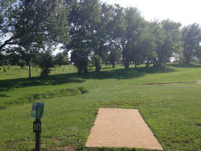 Prairie Center Park, Main course, Hole 10 Tee pad