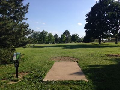 Prairie Center Park, Main course, Hole 17 Tee pad