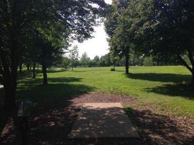 Prairie Center Park, Main course, Hole 4 Tee pad
