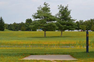 Seymour Lake Park, Main course, Hole 3 Tee pad