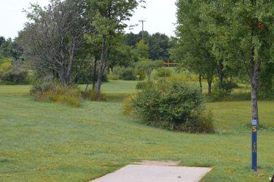 Seymour Lake Park, Main course, Hole 5 Tee pad