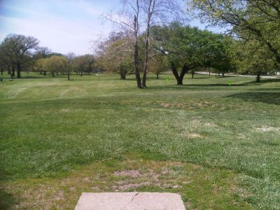 Crestview Park, Main course, Hole 3 Tee pad