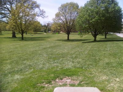 Crestview Park, Main course, Hole 4 Tee pad