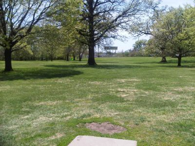 Crestview Park, Main course, Hole 5 Tee pad