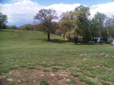 Lake Shawnee, Main course, Hole 15 Tee pad
