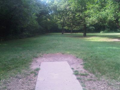 Oak Park, Main course, Hole 2 Short tee pad