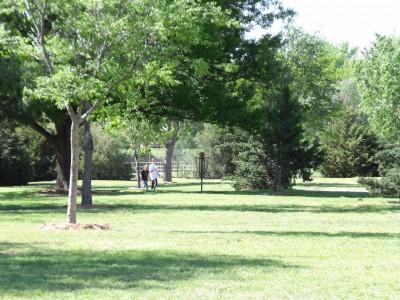 Thompson Park, Main course, Hole 12 Tee pad