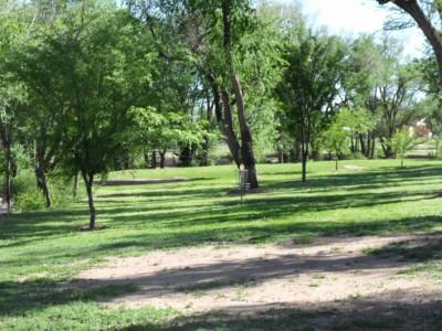 Thompson Park, Main course, Hole 18 Midrange approach