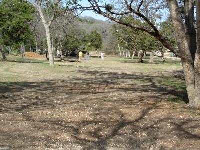Pease Park, Main course, Hole 1 Tee pad