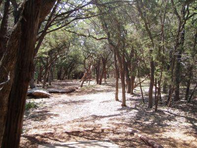 Slaughter Creek Metro Park (Circle C), Main course, Hole 6 Long tee pad