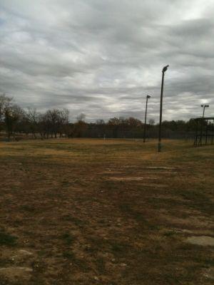 Brady Disc Golf Course, Main course, Hole 17 Tee pad