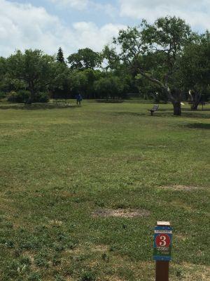 Lamar Park, Main course, Hole 3
