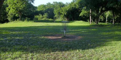 Bicentennial DGC, Main course, Hole 16 Putt