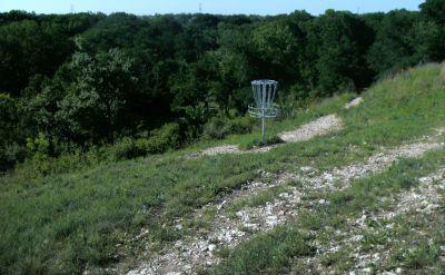 Bicentennial DGC, Main course, Hole 6 Putt