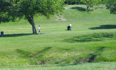Bicentennial DGC, Main course, Hole 1 Short tee pad