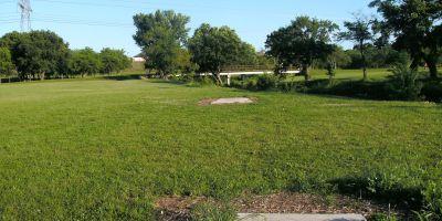 Bicentennial DGC, Main course, Hole 18 Long tee pad