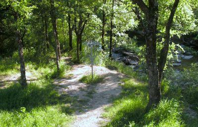 Bicentennial DGC, Main course, Hole 12 Putt