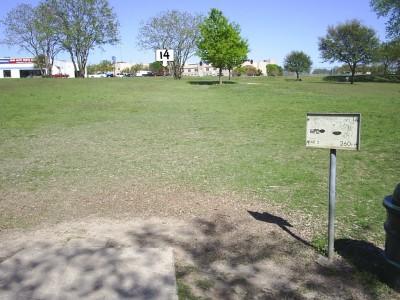 B. B. Owen Park, Main course, Hole 14 Tee pad