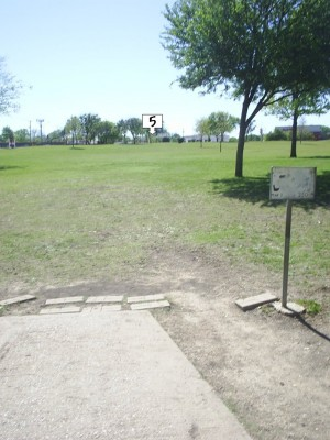 B. B. Owen Park, Main course, Hole 5 Tee pad