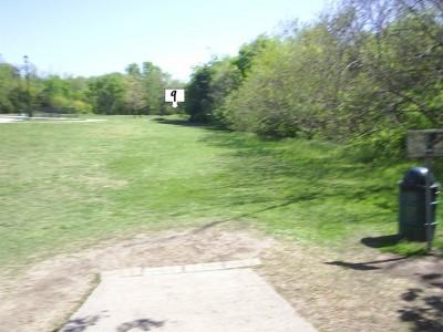 B. B. Owen Park, Main course, Hole 9 Tee pad
