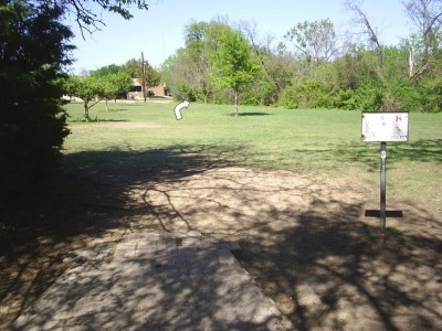 B. B. Owen Park, Main course, Hole 8 Tee pad