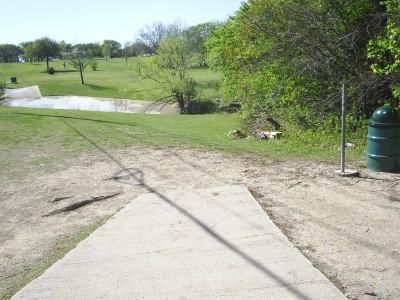 B. B. Owen Park, Main course, Hole 16 Tee pad