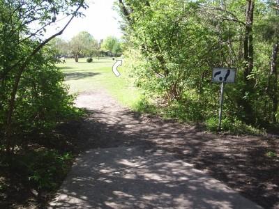 B. B. Owen Park, Main course, Hole 18 Tee pad