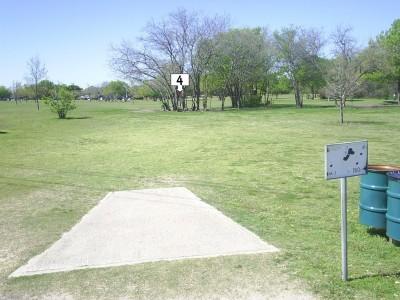 B. B. Owen Park, Main course, Hole 4 Tee pad
