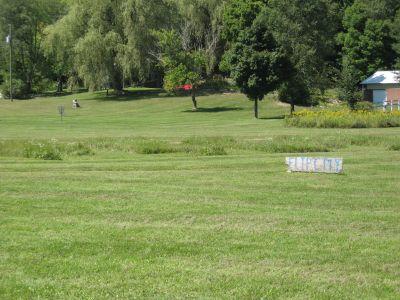 Flip City, Main course, Hole 2 Long approach