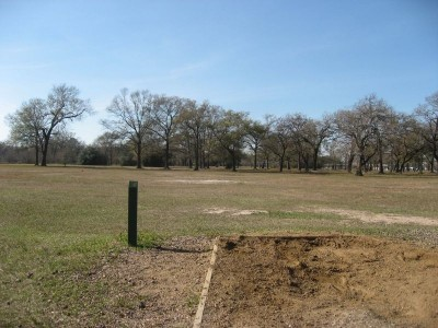 Agnes Moffitt Park, Main course, Hole 4 Tee pad