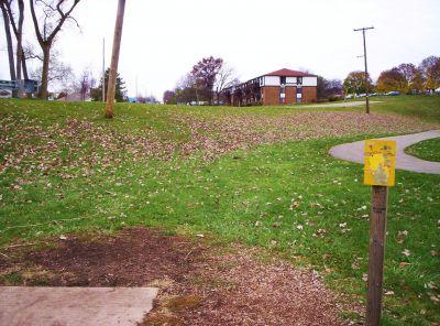 Begg Park, Main course, Hole 4 Tee pad