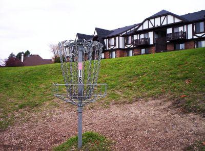Begg Park, Main course, Hole 16 Putt