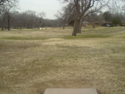 Fritz Park, Main course, Hole 8 Tee pad