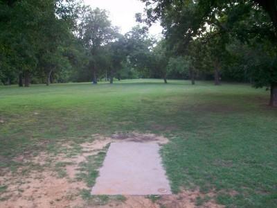 Fritz Park, Main course, Hole 2 Tee pad